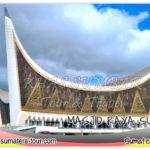 Masjid raya Sumatera Barat - Destinasi tour wisata Sumbar favorit disekitar Padang - Travel liburan di Sumatera Barat